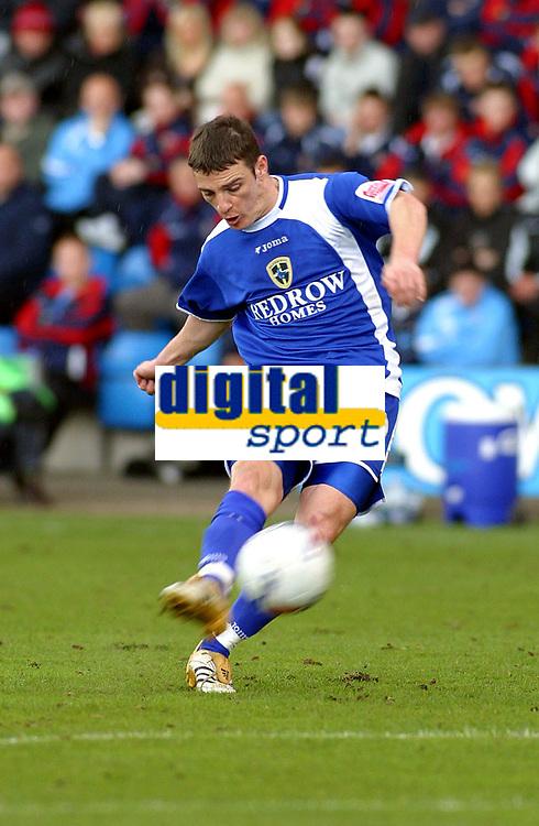 Photo: Dave Linney.<br />Crewe Alexander v Cardiff City. Coca Cola Championship. 17/04/2006.Cardiff goalscorer Jason Koumas
