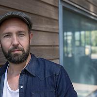 Nederland, Amsterdam, 6 juli 2017.<br />Journalist Marcel Langedijk verloor zijn aan alcohol verslaafde jongere broer Mark. Na jaren van opnames in ziekenhuizen en klinieken zag Mark geen andere oplossing meer dan euthanasie.<br /><br /><br />Foto: Jean-Pierre Jans