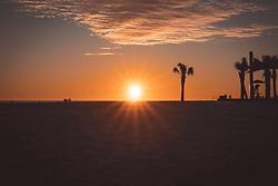 THEMENBILD - Strand von Pensacola waehrend des Sonnenuntergangs, aufgenommen am 06.01.2019, Pensacola, Vereinigte Staaten von Amerika // Pensacola beach during the sunset, Pensacola, United States of America on 2019/01/06. EXPA Pictures © 2019, PhotoCredit: EXPA/ Florian Schroetter