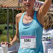 NLD/Amsterdam/20180701 - Evers staat op Run 2018, Manon Flier finish