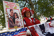 24 hours before the royal marriage of Prince William and Kate Middleton, Denisa Callegari is an American royalists from Baton Rouge, Louisiana and has claimed a front row position on the procession route in the Mall. Taking place on Friday 30th April in front of millions of Britons and foreign tourists (many American), the crowds are already gathering to claim their ideal locations in the front rows along the procession route.