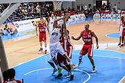 DESCRIZIONE : 3° Torneo Internazionale Geovillage Olbia Sidigas Scandone Avellino - Brose Basket Bamberg<br /> GIOCATORE : Benas Veikalas<br /> CATEGORIA : Tiro Penetrazione<br /> SQUADRA : Sidigas Scandone Avellino<br /> EVENTO : 3° Torneo Internazionale Geovillage Olbia<br /> GARA : 3° Torneo Internazionale Geovillage Olbia Sidigas Scandone Avellino - Brose Basket Bamberg<br /> DATA : 05/09/2015<br /> SPORT : Pallacanestro <br /> AUTORE : Agenzia Ciamillo-Castoria/L.Canu