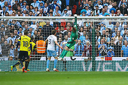 Oxford United come close but the ball just sails over the crossbar - Photo mandatory by-line: Jason Brown/JMP -  02/04//2017 - SPORT - Football - London - Wembley Stadium - Coventry City v Oxford United - Checkatrade Trophy Final