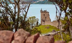 THEMENBILD - Blick auf die die Ruine der Felsenburg Urquhart Castle mit Loch Ness, Drumnadrochit, Schottland, aufgenommen am 05.06.2015 // View of the the ruin of the Urquhart Castle and  Loch Ness, Drumnadrochit, Scotland on 2015/06/05. EXPA Pictures © 2015, PhotoCredit: EXPA/ JFK