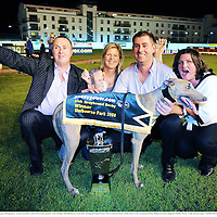 13 September 2008; Noel Hehir, left, Margaret Montgomery, second from left, Trainer Pat Curtin, and Pat's sister Bridget with Shelbourne Aston after winning the Paddy Power Irish Greyhound Derby. Paddy Power Irish Greyhound Derby, Shelbourne Park, Ringsend, Dublin. Picture credit; Damien Eagers / SPORTSFILE