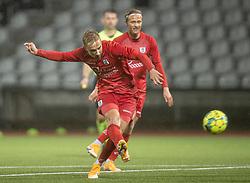 Lucas Haren (FC Helsingør) afslutter under kampen i 1. Division mellem Fremad Amager og FC Helsingør den 21. oktober 2020 i Sundby Idrætspark (Foto: Claus Birch).