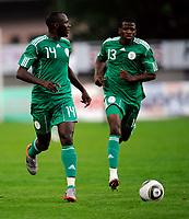 Fotball<br /> Nigeria v Saudi Arabia<br /> Wattens Østerrike<br /> 25.05.2010<br /> Foto: Gepa/Digitalsport<br /> NORWAY ONLY<br /> <br /> FIFA Weltmeisterschaft 2010 in Suedafrika, Vorberichte, Vorbereitung, Vorbereitungsspiel, Freundschaftsspiel, Laenderspiel, Nigeria vs Saudi-Arabien. <br /> <br /> Bild zeigt Sani Kaita und Ayila Yussuf (NGR).