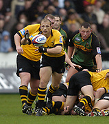 Northampton, Northamptonshire, 2nd October 2004 Northampton Saints vs London Wasps, Zurich Premiership Rugby, Franklyn Gardens, [Mandatory Credit: Peter Spurrier/Intersport Images],<br /> Wasps Matt Dawson distributes the ball from the base of the scrum. <br /> email images@intersport-images.com