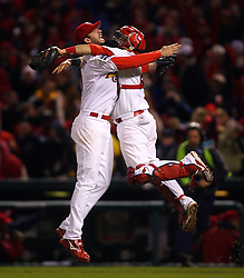 Adam Wainwright, Yadier Molina, and the St. Louis Cardinals win, 2006
