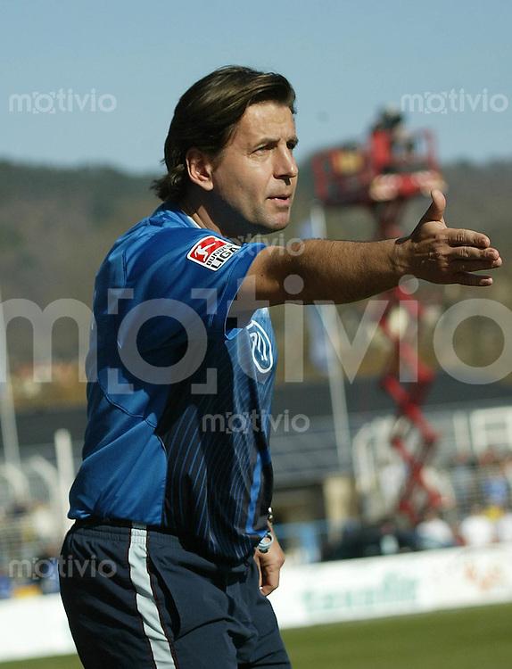 Jena , 110307 , Saison 2006/2007 ; Fussball 2.Bundesliga FC Carl Zeiss Jena - Karlsruher SC KSC  Trainer Heiko WEBER (Jena) gestikuliert