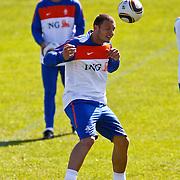 NLD/Katwijk/20100831 - Training Nederlands Elftal kwalificatie EK 2012, Erik Pieters