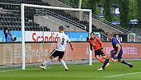 Fotball Kvalifisering1.runde til Europa League<br /> Rosenborg - FK Jelgava<br /> <br /> 3 juli 2014<br /> Lerkendal Stadion, Trondheim<br /> <br /> Morten Gamst Pedersen scorer 1-0 for Rosenborg, mens Jelgavas keeper Kaspars Ikstens og kaptein Gints Freimanis blir tilskuere<br /> <br /> <br /> Foto : Arve Johnsen, Digitalsport