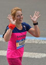 01-11-2015 USA: NYC Marathon We Run 2 Change Diabetes day 4, New York<br /> De dag van de marathon, 42 km en 195 meter door de straten van Staten Island, Brooklyn, Queens, The Bronx en Manhattan / Sandra