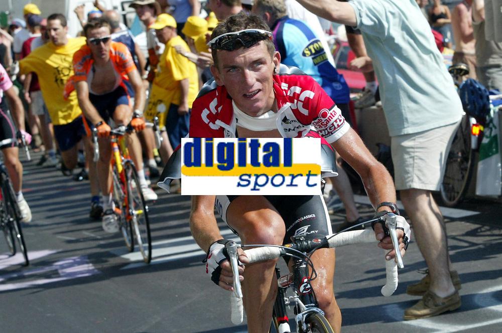 SYKKEL - TOUR DE FRANCE 2003 - STEP8 - SALLANCHES > L'ALPE D'HUEZ - 13072003 - PHOTO: CROSNIER MILLEREAU / DIGITALSPORT/DPPI<br /> TYLER HAMILTON (USA) / TEAM CSC
