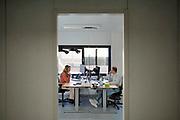 Nederland, Nijmegen, 23-11-2020 Bron en contactonderzoek bij de GGD . telefonisch worden positief geteste mensen benaderd voorhet doorgeven van hun contacten de afgelopen tijd. Foto: ANP/ Hollandse Hoogte/ Flip Franssen