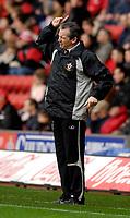 Photo: Alan Crowhurst.<br />Southampton v Burnley. Coca Cola Championship. 13/01/2007. Saints' manager George Burley.