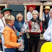 """NLD/Alkmaar/20180518 - Perspresentatie """"Nederland staat op tegen kanker"""" officiele start, Casrolien Tensen, Anita Witzier en Peter R. de Vries"""