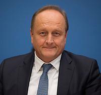 DEU, Deutschland, Germany, Berlin, 09.01.2017: Joachim Rukwied, Präsident Deutscher Bauernverband, in der Bundespressekonferenz zum Thema Start des Projektes F.R.A.N.Z.