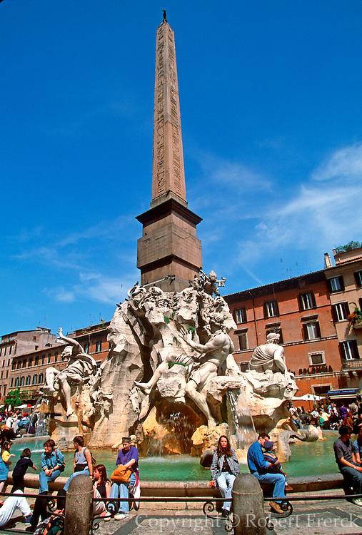 ITALY, ROME, LANDMARKS Bernini Fountain in the Piazza Navona