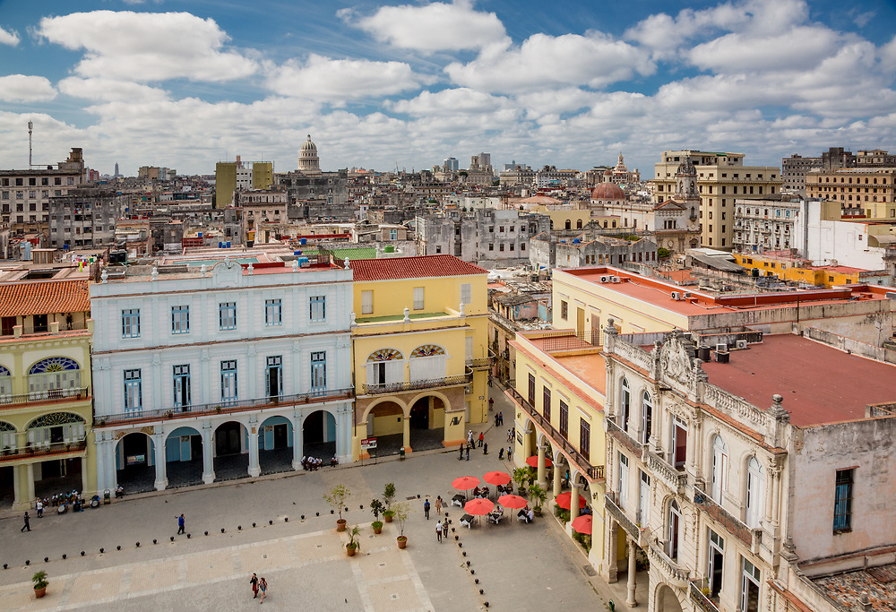 "Caribbean, Cuba, Havana, plaza in  ""La Habana Vieja"" district, a UNESCO World Heritage Site"