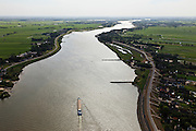 Nederland, Zuid-Holland, Lekkerkerk, 23-05-2011; rivier de Lek gezien naar het westen (naar Rotterdam) met aan weerszijden van de rivier de Alblasserwaard (links) en Krimpenerwaard. The river Lek seen in direction Rotterdam..luchtfoto (toeslag), aerial photo (additional fee required).copyright foto/photo Siebe Swart