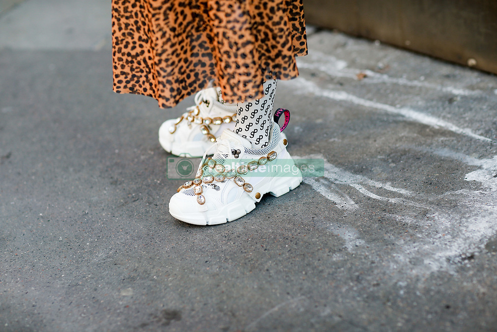 Street style, close up at Off White spring summer 2019 ready-to-wear show, held at Passage Saint Pierre Amelot, in Paris, France, on September 27th, 2018. Photo by Marie-Paola Bertrand-Hillion/ABACAPRESS.COM