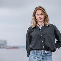 Nederland, Amsterdam, 22 oktober 2016.<br />7-Days jongere van het jaar verkiezing.<br />De genomineerden van de jongere van het jaar Verkiezingen 2016.<br />v.l.n.r. Jeroen van Holland,Susan Radder, Annegien Schilling, Costas Vermeer, Alessandra Peters, Trobi en een stand in.<br />Op de foto: Susan Radder, actrice, was genomineerd voor een Gouden Kalf<br /><br /><br />Foto: Jean-Pierre Jans