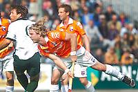 BLOEMENDAAL - Hoofdklasse wedstrijd mannen, tussen Bloemendaal en HC Rotterdam (5-5) . Olmer Meijer brengt voor Bloemendaal de stand op 5-5.  COPYRIGHT KOEN SUYK