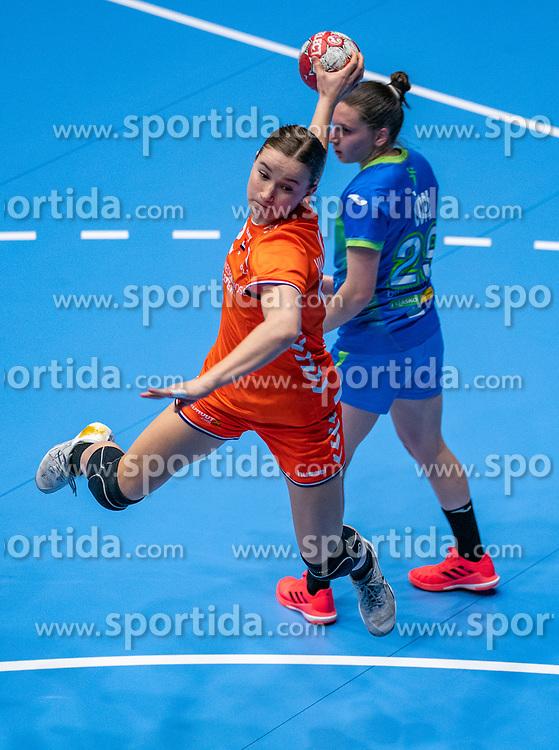 Bo van Wetering of Netherlands in action during the Women's friendly match between Netherlands and Slovenia at De Maaspoort on march 19, 2021 in Den Bosch, Netherlands (Photo by RHF Agency/Ronald Hoogendoorn)