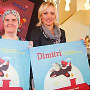NLD/Amsterdam/20111114 - Presentatie Sinterklaasboeken Douwe Egberts & C1000, Kristina Ruell en Yvon Jaspers