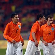 NLD/Amsterdam/20060301 - Voetbal, oefenwedstrijd Nederland - Ecuador, Hedwiges Maduro, Mark van Bommel en Joris Mathijsen