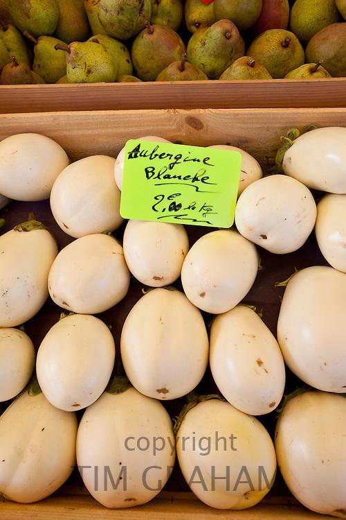 White aubergines on sale at food market at Sauveterre-de-Guyenne, Bordeaux, France