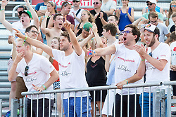 29.07.2017, Donauinsel, Wien, AUT, FIVB Beach Volleyball WM, Wien 2017, x, Gruppe x, im Bild Fans // Fans during the Xmen's group X match of 2017 FIVB Beach Volleyball World Championships at the Donauinsel in Wien, Austria on 2017/07/29. EXPA Pictures © 2017, PhotoCredit: EXPA/ Sebastian Pucher