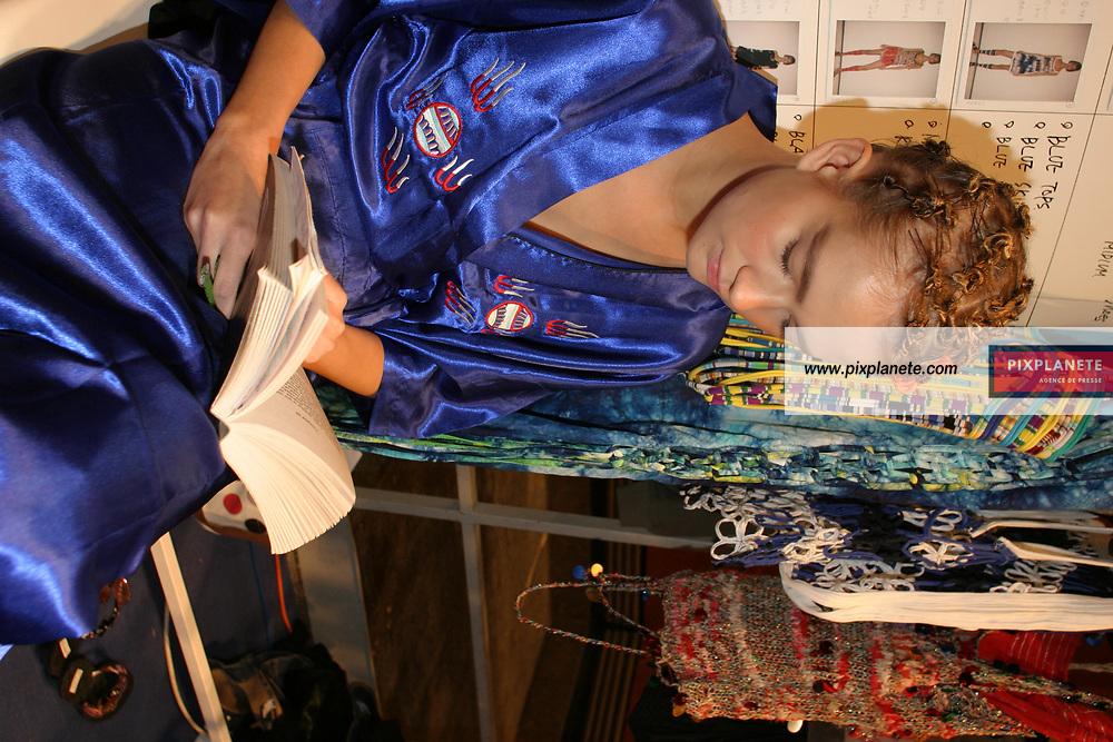 Prêt à porter printemps / été 2005. Collection Yoichi Nagasawa. Paris le 09/10/04. / PixPlanete
