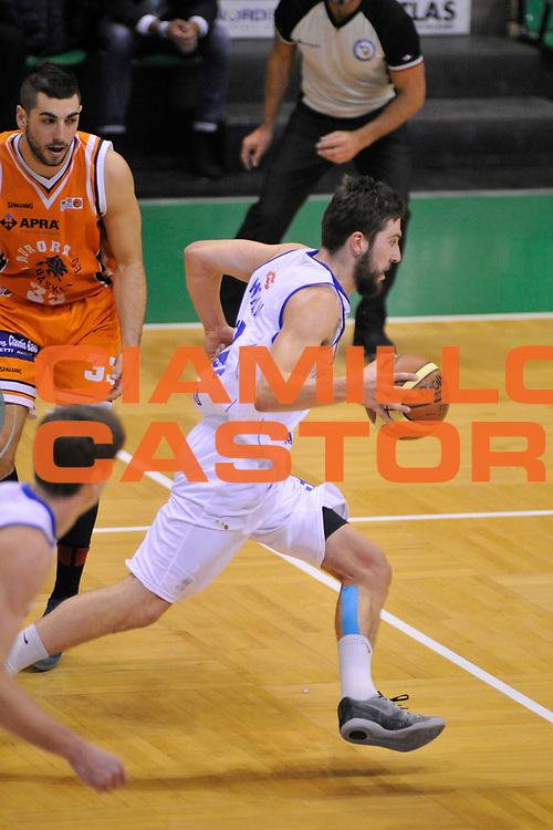 DESCRIZIONE : Treviso Lega due 2015-16  Universo Treviso De Longhi - Aurora Basket Jesi<br /> GIOCATORE : matteo fantinelli<br /> CATEGORIA : Palleggio<br /> SQUADRA : Universo Treviso De Longhi - Aurora Basket Jesi<br /> EVENTO : Campionato Lega A 2015-2016 <br /> GARA : Universo Treviso De Longhi - Aurora Basket Jesi<br /> DATA : 31/10/2015<br /> SPORT : Pallacanestro <br /> AUTORE : Agenzia Ciamillo-Castoria/M.Gregolin<br /> Galleria : Lega Basket A 2015-2016  <br /> Fotonotizia :  Treviso Lega due 2015-16  Universo Treviso De Longhi - Aurora Basket Jesi