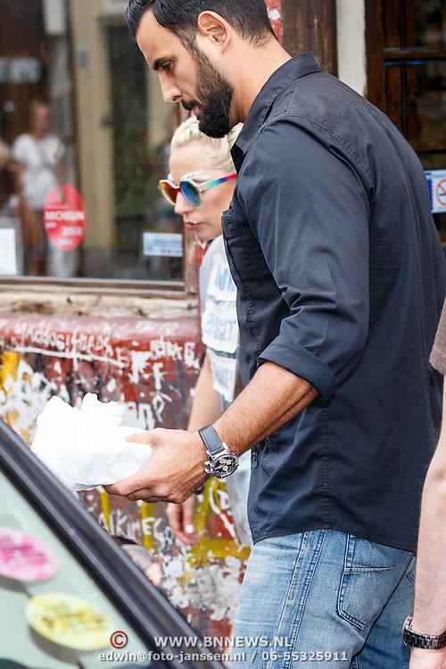 NLD/Amsterdam/20150711 - Lady Gaga en haar partner Taylor Kinney verlaten een restaurant in Amsterdam   -   Singer Lady Gaga and het boyfriend Taylor Kinney leaving a restaurant in Amsterdam the Netherlands