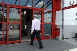 08.05.2013, Saebener Strasse, Muenchen, GER, 1. FBL, FC Bayern Muenchen, Training, im Bild Praesident Uli HOENESS (FC Bayern Muenchen) auf dem Weg in sein Buero an der Saebener Strasse // during a Trainingssession of the German Bundesliga Club FC Bayern Munich at the Saebener Strasse, Munich, Germany on 2013/05/08. EXPA Pictures © 2013, PhotoCredit: EXPA/ Eibner/ Wolfgang Stuetzle..***** ATTENTION - OUT OF GER *****