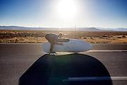 Frans start de Cygnus met David Verbroekken. In de buurt van Battle Mountain, Nevada, strijden van 10 tot en met 15 september 2012 verschillende teams om het wereldrecord fietsen tijdens de World Human Powered Speed Challenge. Het huidige record is 133 km/h.<br /> <br /> Frans starts the Cygnus with David Verbroekken. Near Battle Mountain, Nevada, several teams are trying to set a new world record cycling at the World Human Powered Speed Challenge from Sept. 10th till Sept. 15th. The current record is 133 km/h.