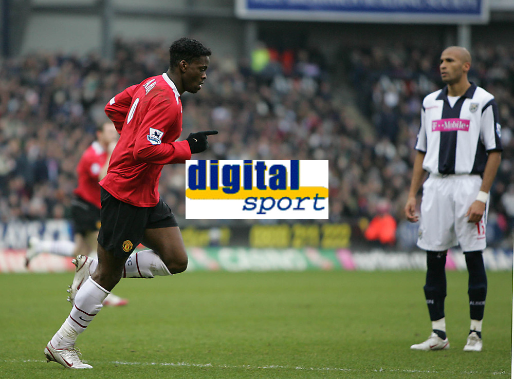 Photo: Lee Earle.<br /> West Bromwich Albion v Manchester United. The Barclays Premiership. 18/03/2006. United's Luis Saha (L) celebrates his opening goal.