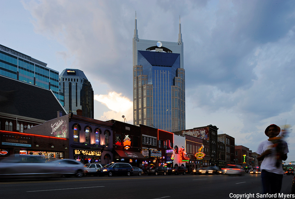 Images of the Nashville, TN area.