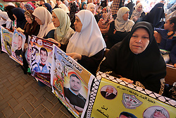 June 8, 2017 - Gaza City, Gaza Strip, Palestinian Territory - Palestinians take part in a protest to show solidarity with Palestinian prisoners held in Israeli jails, in front of Red cross office in Gaza city on June 05, 2017  (Credit Image: © Mohammed Asad/APA Images via ZUMA Wire)