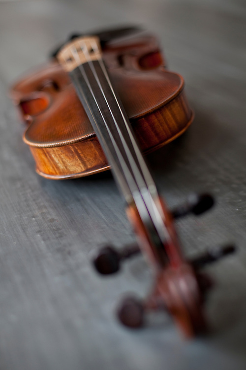 Luithier violin manufactured by Emile Boulangeot.
