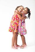 Belo Horizonte_MG, Brasil...Irmas gemeas em Belo Horizonte, Minas Gerais...A twin sister portrait in Belo Horizonte, Minas Gerais. ..Foto: LEO DRUMOND / NITRO
