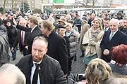 Werkbezoek van Zijne Majesteit de Koning, vergezeld door Hare Majesteit Koningin Maxima aan de Duitse deelstaten Thüringen, Saksen en Saksen-Anhalt<br /> <br /> Working visit of His Majesty the King, accompanied by Her Majesty Queen Maxima in the German states of Thuringia, Saxony and Saxony-Anhalt<br /> <br /> Op de foto / On the photo:  Bezoek aan Grünau bij de Quartiersmanagement Leipzig-Grünau, een van de grootste 'Plattenbau'-wijken in de voormalige DDR. /// Visit to Grunau at the Quartier Management Leipzig-Grunau, One of the Largest 'Plattenbau'-Districts in the former GDR.
