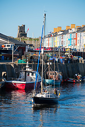 ©Licensed to London News Pictures. Aberystwyth, UK. 18/10/2018. Boats in the harbour marina  on a gloriously sunny and warm afternoon in Aberystwyth on the west coast of Wales. Photo credit : Keith Morris/ LNP