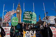 2015-03-07 Climate protesters march through London