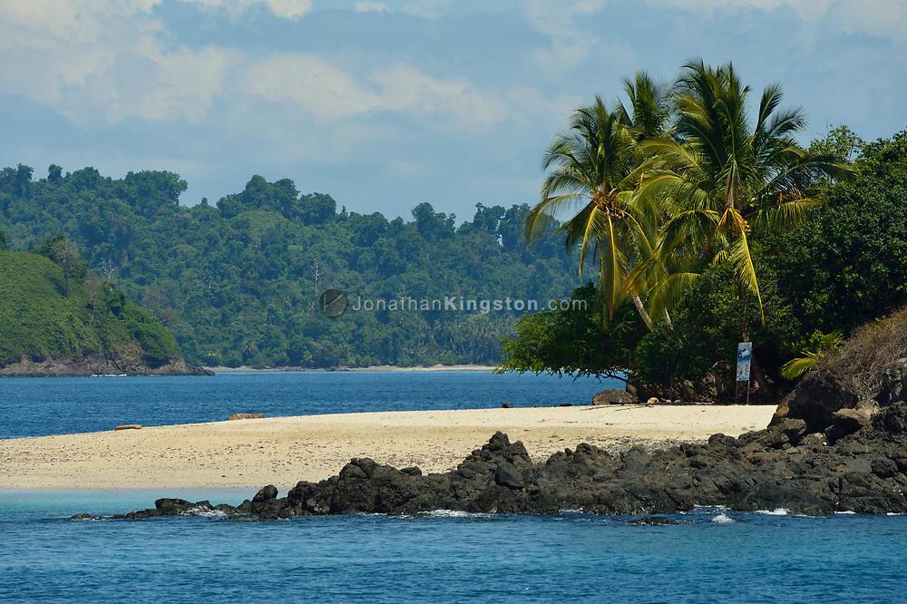 Granito De Oro Island (Little Grain of Gold Island), one of the most pristine beaches in the world, Coiba National Park (Parque Nacional Coiba), gulf of Chiriqui, Panama.
