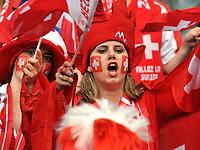 GEPA-1106085621 - BASEL,SCHWEIZ,11.JUN.08 - FUSSBALL - UEFA Europameisterschaft, EURO 2008, Schweiz vs Tuerkei, SUI vs TUR, Vorberichte. Bild zeigt Fans der Schweiz.<br />Foto: GEPA pictures/ Oliver Lerch