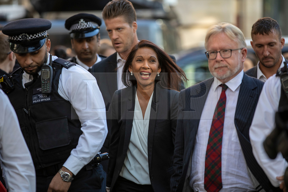 © Licensed to London News Pictures. 19/09/2019. London, UK. Gina Miller (centre) arrives at the Supreme Court in London for the third day of the hearing into the legality of the prorogation of Parliament. The case has been brought by remain campaigner Gina Miller, with support from former British Prime Minister John Major. Photo credit: Rob Pinney/LNP