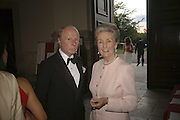 KENNETH WILLIAMS AND PRINCESS JEAN GAZLITZINE, Fund for Refugees in Slovenia Gala Dinner, The Great Hall. Royal Hospital. Chelsea. 12 June 2006. ONE TIME USE ONLY - DO NOT ARCHIVE  © Copyright Photograph by Dafydd Jones 66 Stockwell Park Rd. London SW9 0DA Tel 020 7733 0108 www.dafjones.com